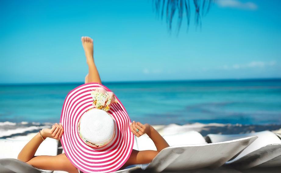 Κάντε ηλιοθεραπεία τις σωστές ώρες (μετά τις 4) και με αντηλιακό.
