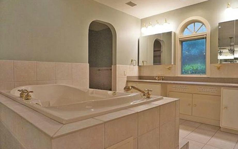 Ποιος δεν θα ήθελε να απολαμβάνει το μπάνιο του σε μια μπανιέρα σαν και αυτή!