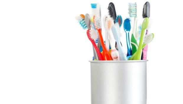 Παλιά Οδοντόβουρτσα: 9 Χρήσεις της στο Σπίτι που δεν Έχετε Σκεφτεί