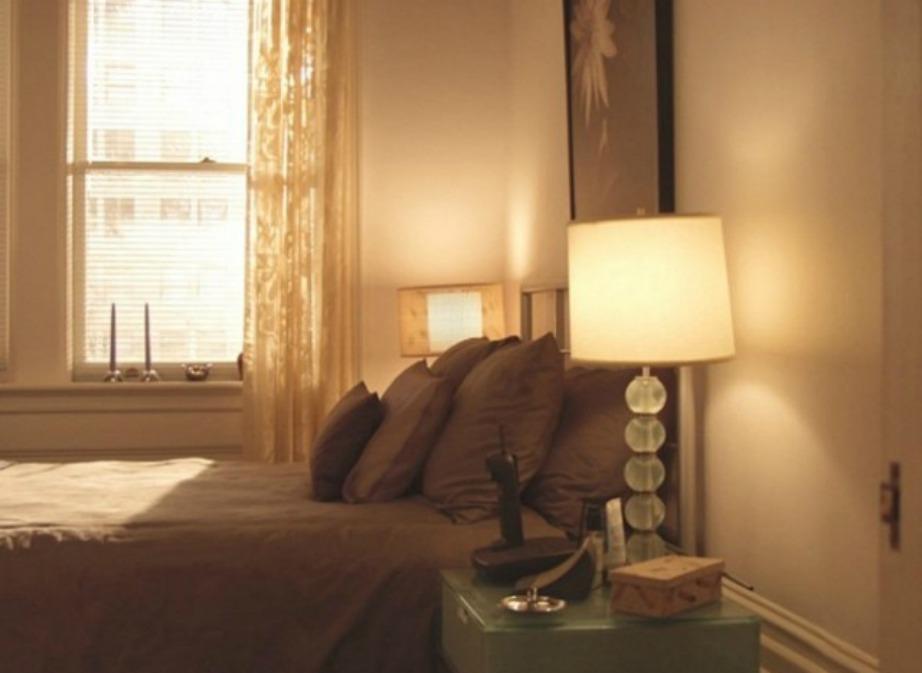 Το υπνοδωμάτιο της Miranda ήταν διακοσμημένο σε γήινους τόνους.