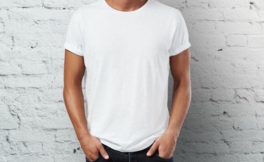 Διώξτε τους λεκέδες από τα λευκά μπλουζάκια ακολουθώντας συγκεκριμένα βήματα.