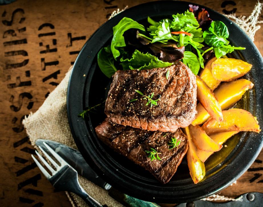 Για ακόμα πιο νόστιμες μπριζόλες μαγειρέψτε τις με το που τις βγάλετε από την κατάψυξη.