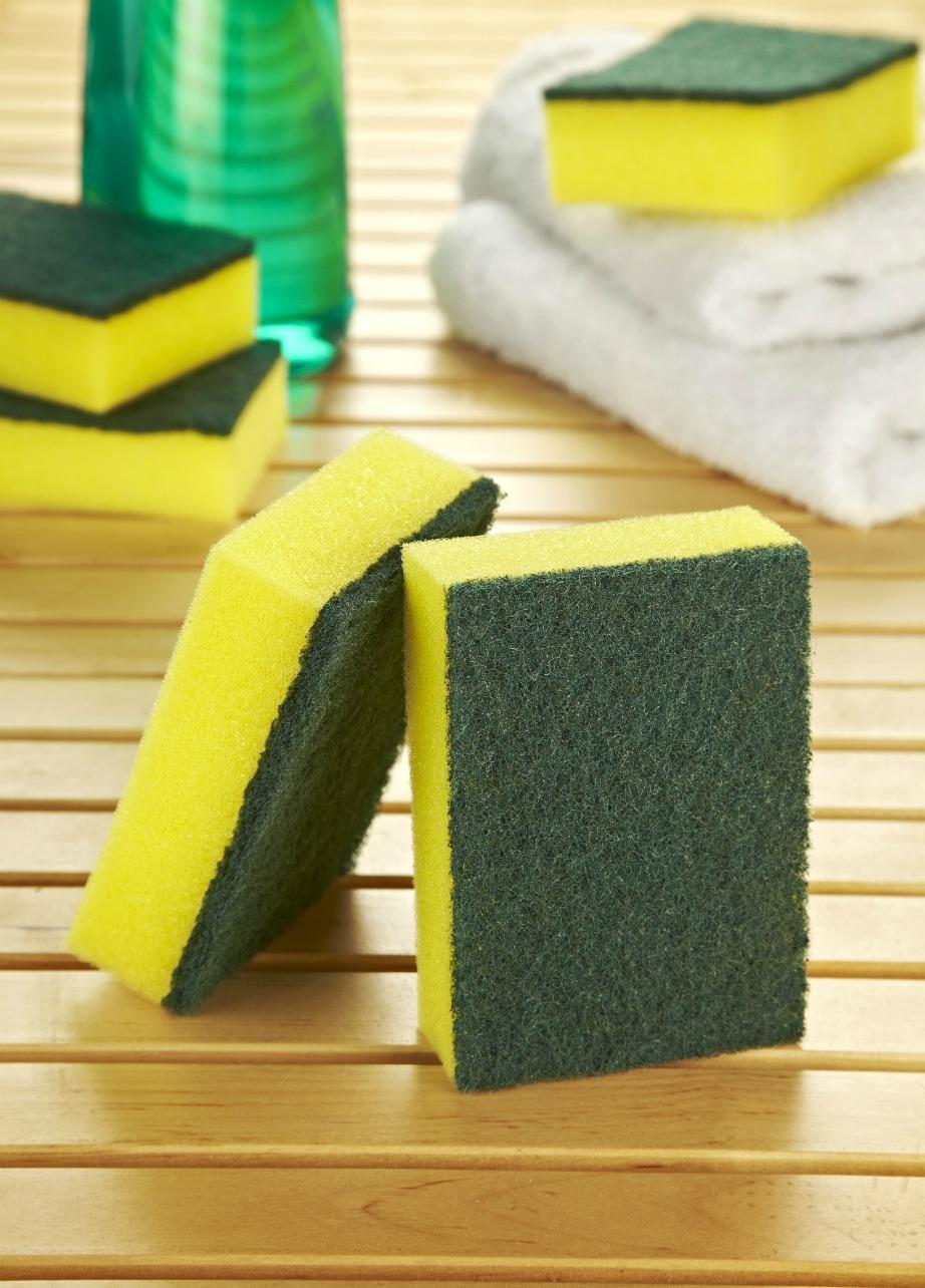 Είναι ένα από τα πιο χρήσιμα εργαλεία της κουζίνας αλλά χρειάζεται τακτικά απολύμανση.