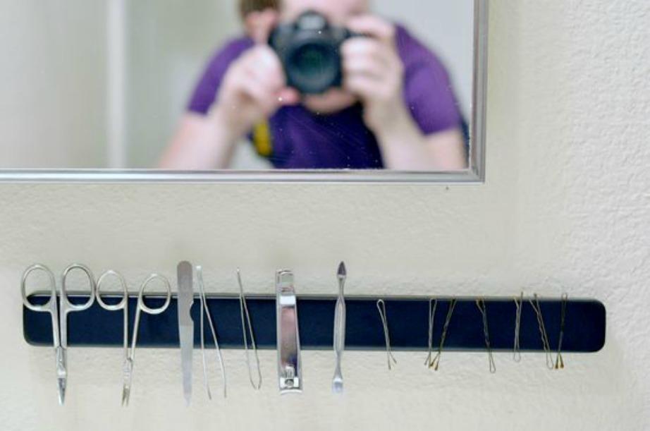 Χρησιμοποιείται κατά κόρον στην οργάνωση των μεταλλικών αντικειμένων τόσο στο μπάνιο όσο και στην κουζίνα.