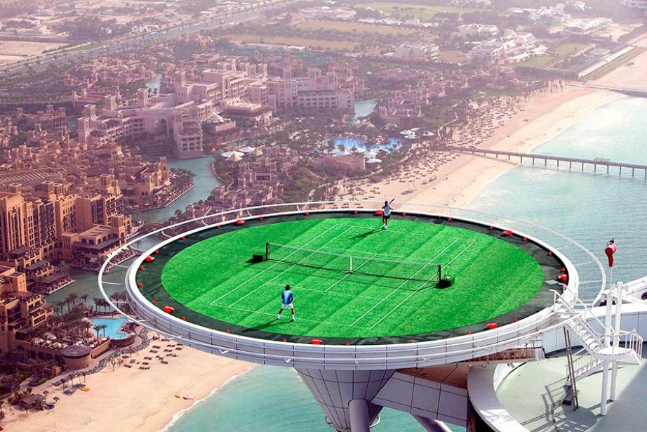 Αρχιτεκτονικό θαύμα θα μπορούσε να το χαρακτηρίσει κανείς το συγκεκριμένο γήπεδο.