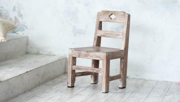 Φτιάξτε Πρωτότυπο Έπιπλο Μπάνιου από... Καρέκλα!
