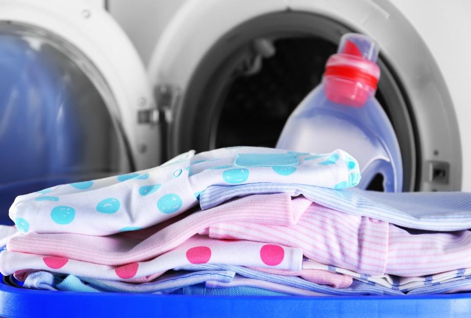 Μπορείτε να χρησιμοποιήσετε το ίδιο απορρυπαντικό και για τα δικά σας ρούχα, σε περίπτωση που έχετε και εσείς ευαίσθητο δέρμα.