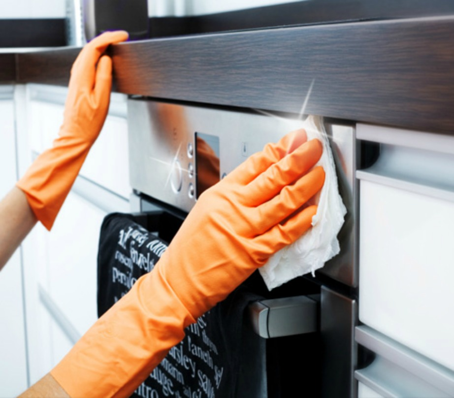 Καθαρίστε τον φούρνο σας εξωτερικά και εσωτερικά.