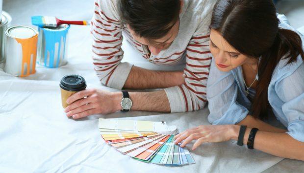 Χρώμα στο Ταβάνι: Tips που Πρέπει να Ξέρετε Πριν το Τολμήσετε