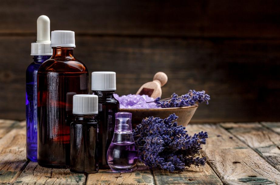 Φτιάξτε φυσικά απορρυπαντικά με άρωμα λεβάντας ή λεμονιού!