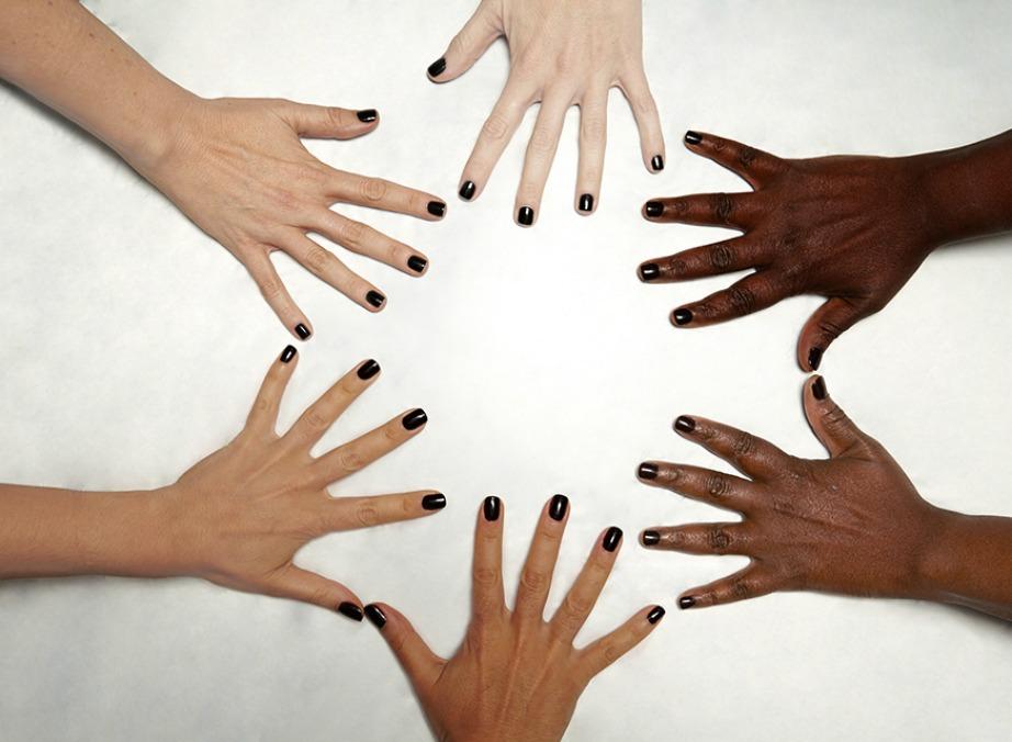 Οι ανοιχτόχρωμες επιδερμίδες εμφανίζουν πιο εύκολα καρκίνο του δέρματος αλλα ο καρκίνος στα σκούρα δέρματα είναι πιο δύσκολα ανιχνεύσιμος και άρα πιο θανατηφόρος.