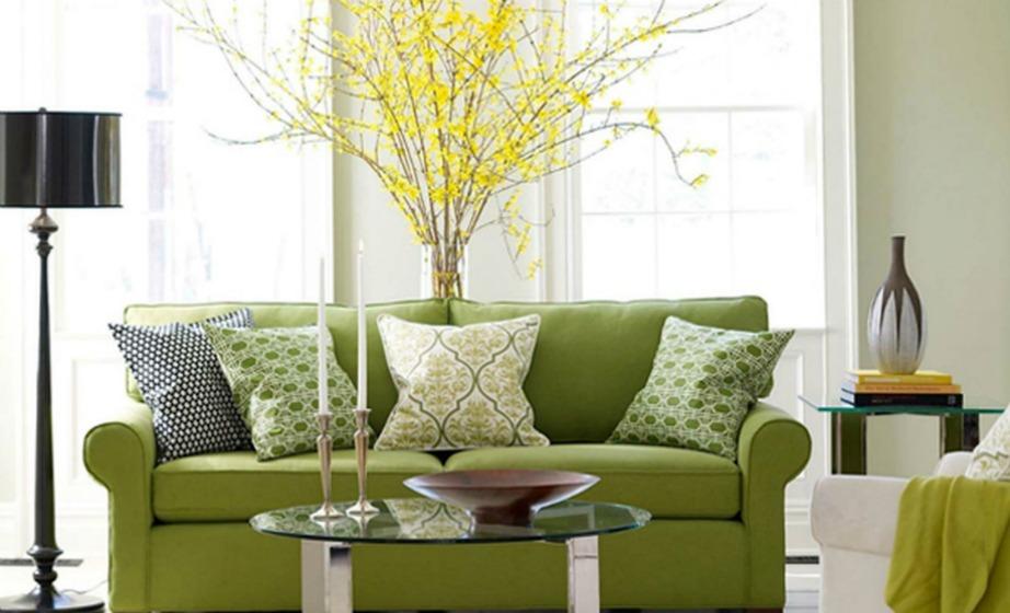 Δείτε πόσο όμορφο φαίνεται αυτό το τρικ ακόμα και αν βάλετε απλά ένα τραπέζι ή σκέτο ράφι πίσω από τον καναπέ σας.