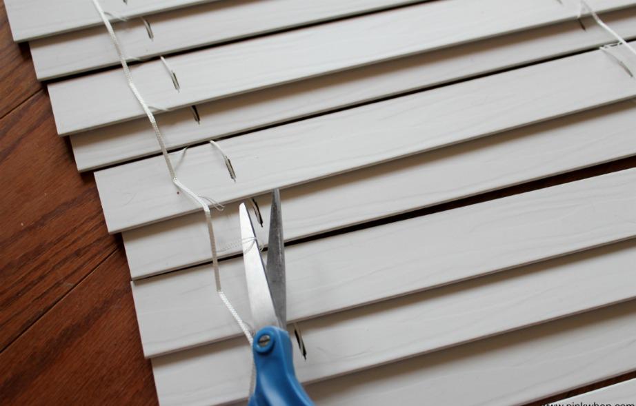 Προσοχή να μην κόψετε τα λάθος σχοινάκια. Συνήθως αυτά τα σχοινιά (που δεν πρέπει αν κόψετε) είναι πιο λεπτά.