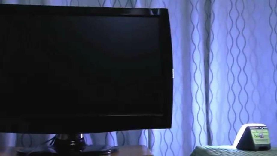 Έτσι θα ξεγελάσετε τους ληστές ότι βρίσκεστε στο σπίτι και βλέπετε τηλεόραση (ακόμα και αν λείπετε από το σπίτι).