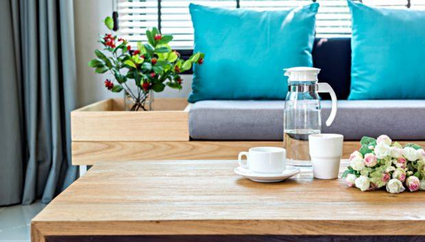 Αυτά Είναι τα πιο Χρήσιμα Τραπέζια για Μέσα και Έξω από το Σπίτι!
