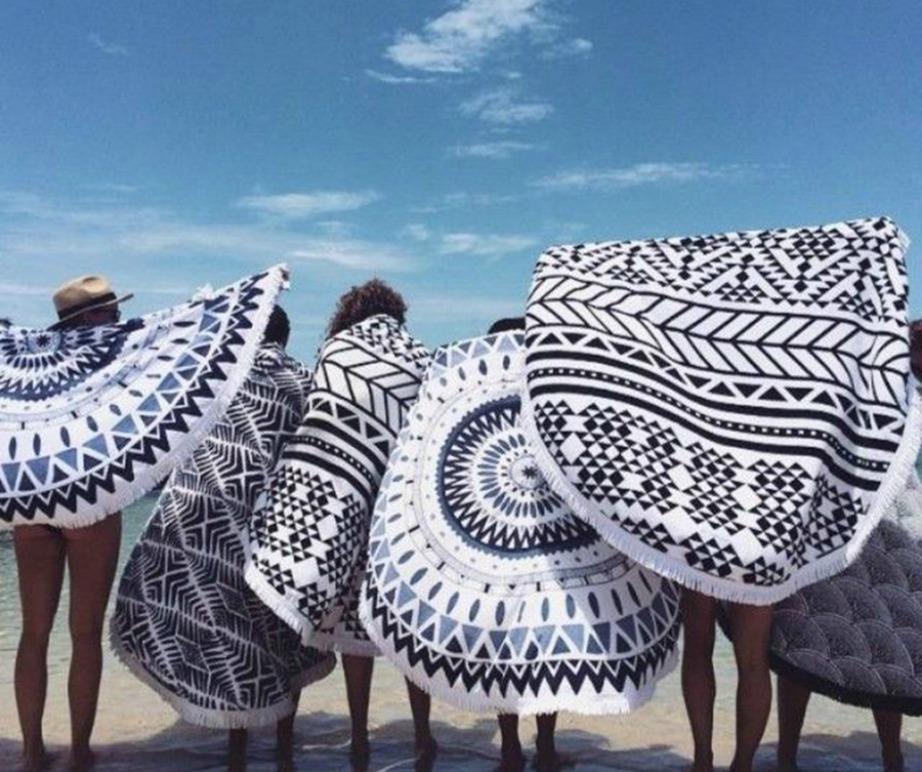 Τα κλασικά σχέδια με τα γεωμετρικά μοτίβα από την εταιρία The Beach People είναι πλέον διάσημα.