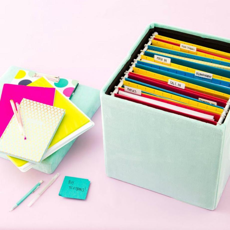 Ένα έξυπνο κουτί για να έχετε όλα τα έγγραφά σας συγκεντρωμένα το οποίο μπορείτε εύκολα να τοποθετήσετε σε ράφι.