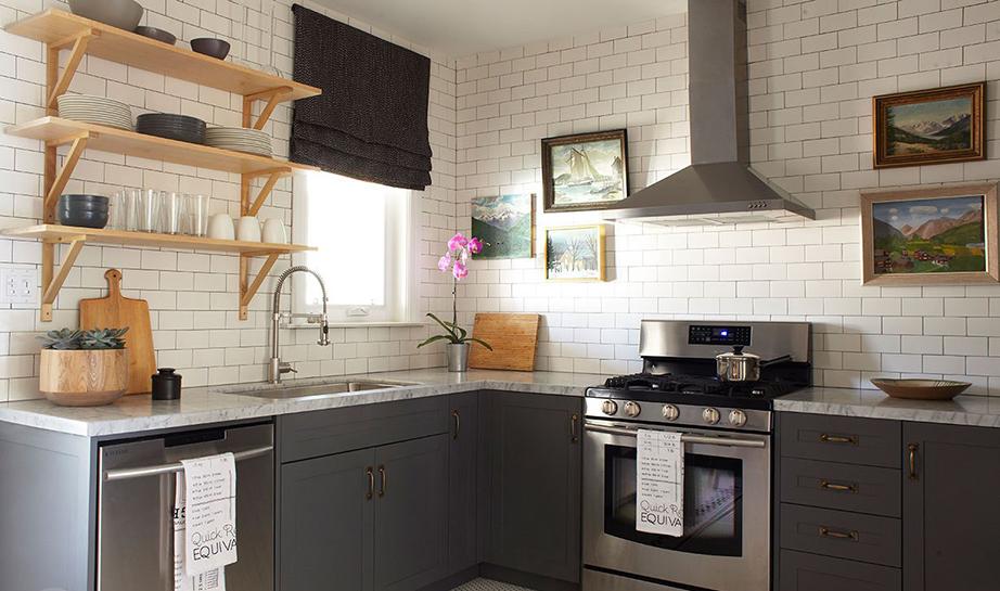 Υπό νέα θέση το κεντρικό κομμάτι των επίπλων της κουζίνας.