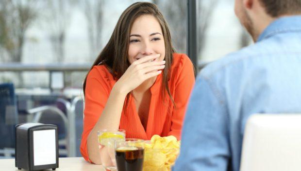 Αυτά Πρέπει να Κάνετε (και τι να Μην Κάνετε) για Μυρωδάτη Αναπνοή