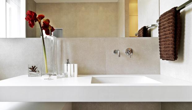 «Τι μπορώ να κάνω για να ανανεώσω τα πλακάκια του μπάνιου;»