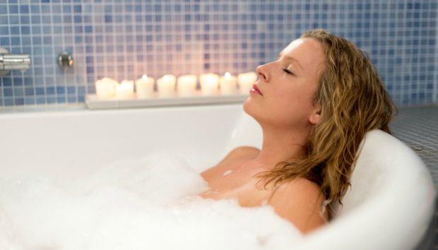 Κάντε Μπάνιο Μέσα στο Σαλόνι σας με Αυτή την Απίστευτη Μπανιέρα