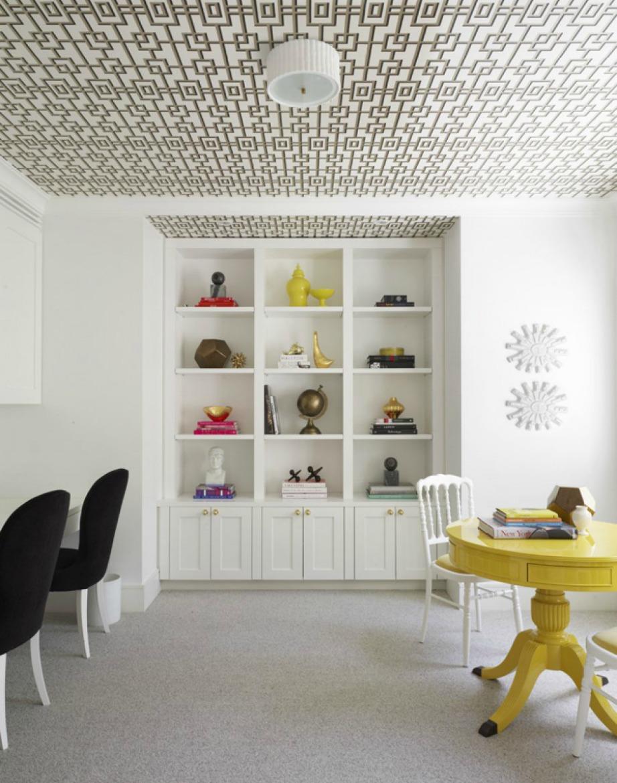 Αντί να βάλετε ταπετσαρία στους τοίχους, βάλτε στο ταβάνι!
