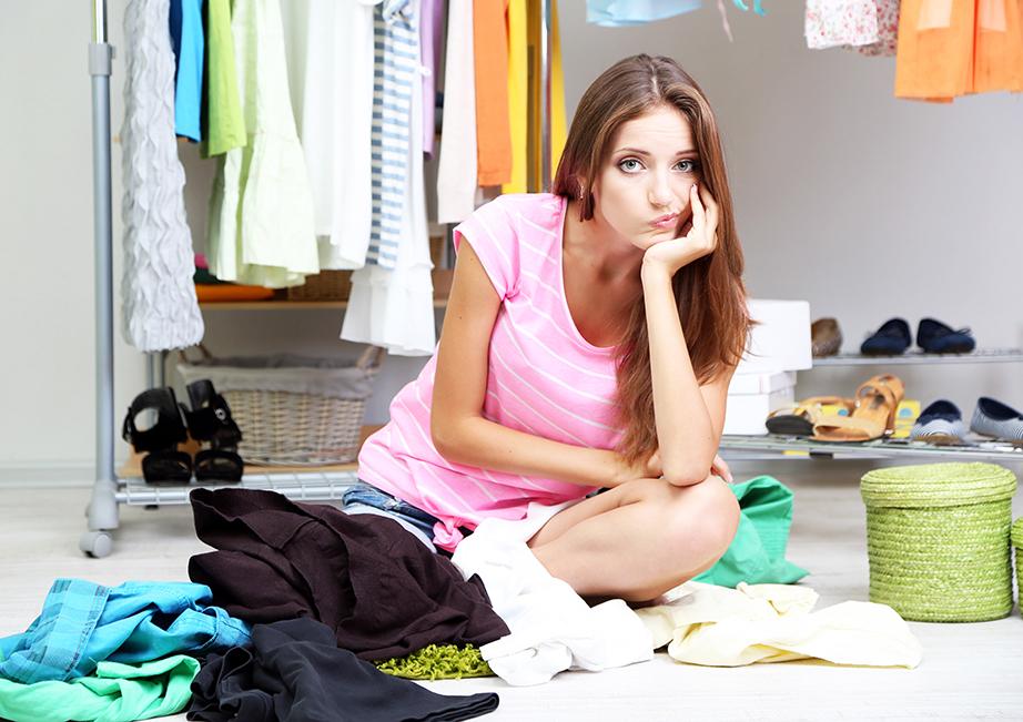 Με όλα αυτά τα βάλε βγάλε των ρούχων απορρίπτονται περισσότερα νεκρά κύτταρα από το ανθρώπινοι σώμα και καταλήγουν στο χαλί.