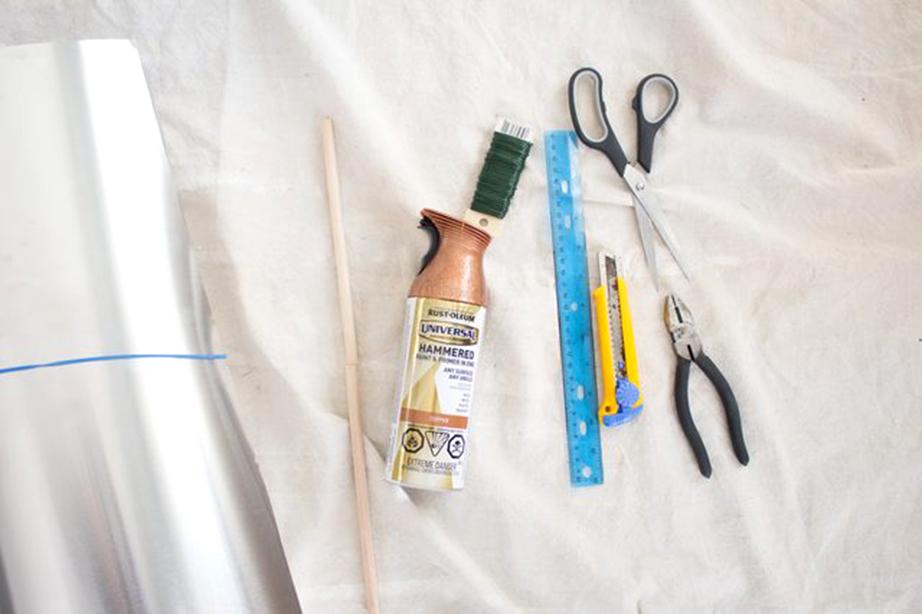 Μερικά υλικά απ' όσα θα χρειαστείτε για την κατασκευή.