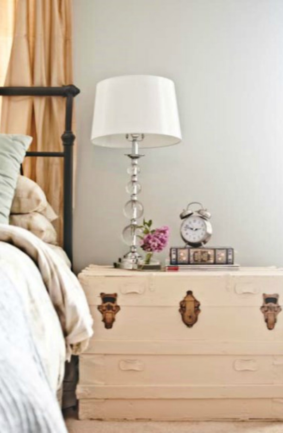 thehomeissue_nightstands03