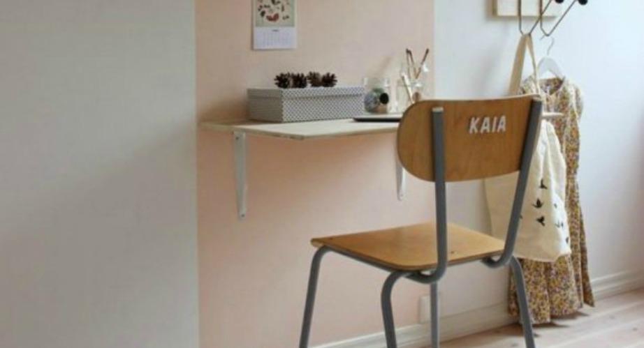 Βάψτε μόνο το σημείο στον τοίχο σας όπου θα μπει το γραφείο, για να διαχωρίσετε, έστω και με αυτόν, τον τρόπο τον χώρο σας.