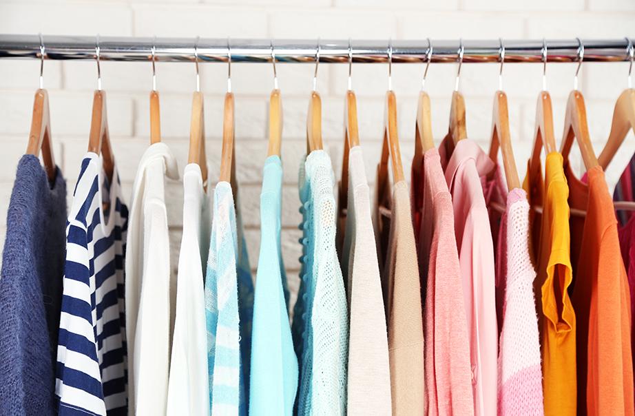 Αναδιαμορφώστε τις κατηγορίες των ρούχων ανά χρώμα.
