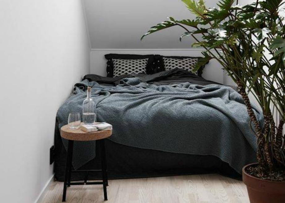 Όσο μικρό και αν είναι ένα δωμάτιο μπορεί να διακοσμηθεί με στιλ.