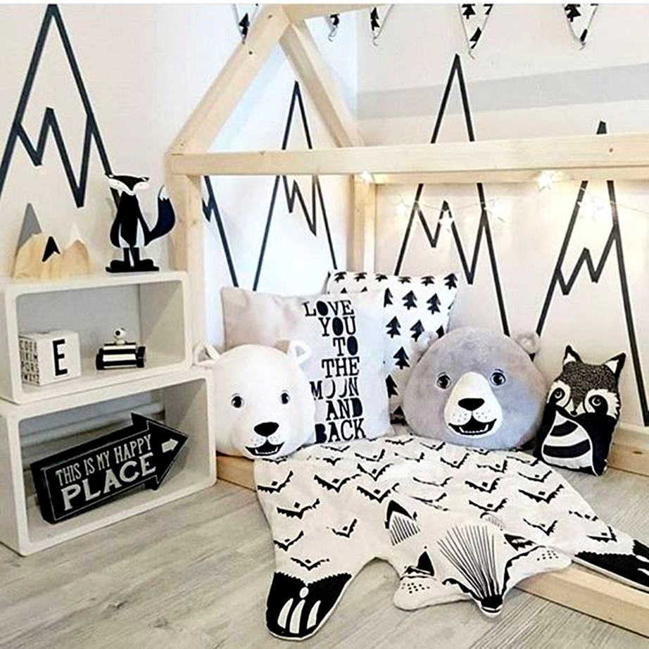 Δημιουργήστε μια εναλλακτική σκηνή σε κάθε τοίχο στο παιδικό υπνοδωμάτιο.
