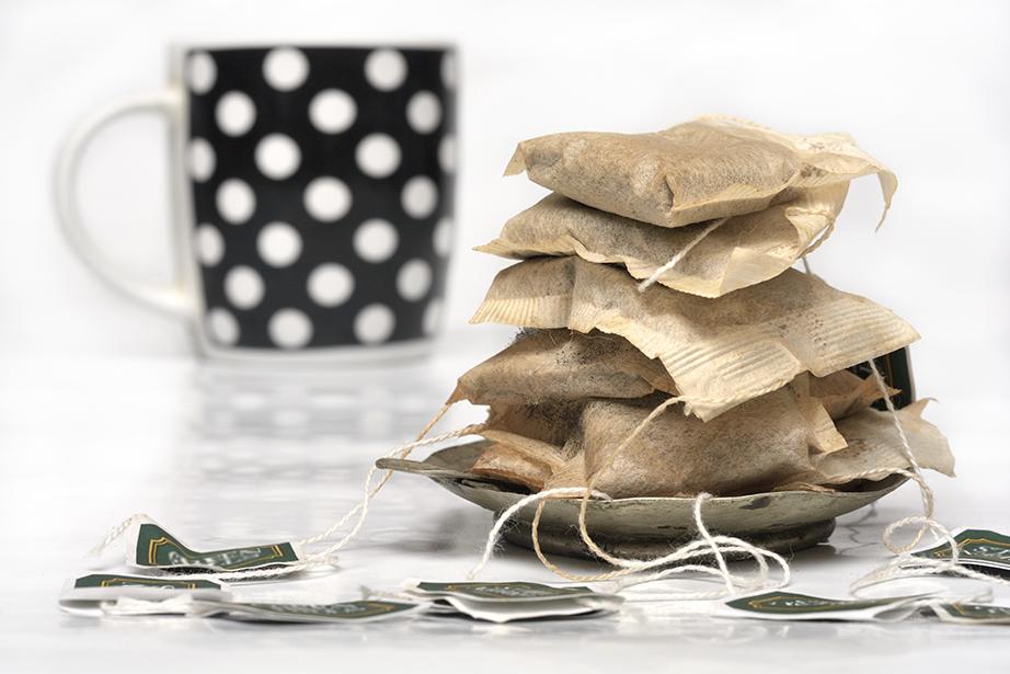 Χρησιμοποιήστε φακελάκια τσαγιού για να καθαρίσετε γυάλινες επιφάνειες.