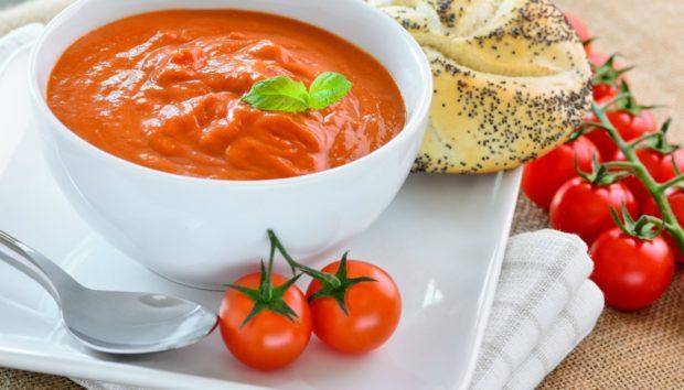 Ψωμί και Σάλτσα Ντομάτας: Το Τέλειο Καθαριστικό για το Σπίτι