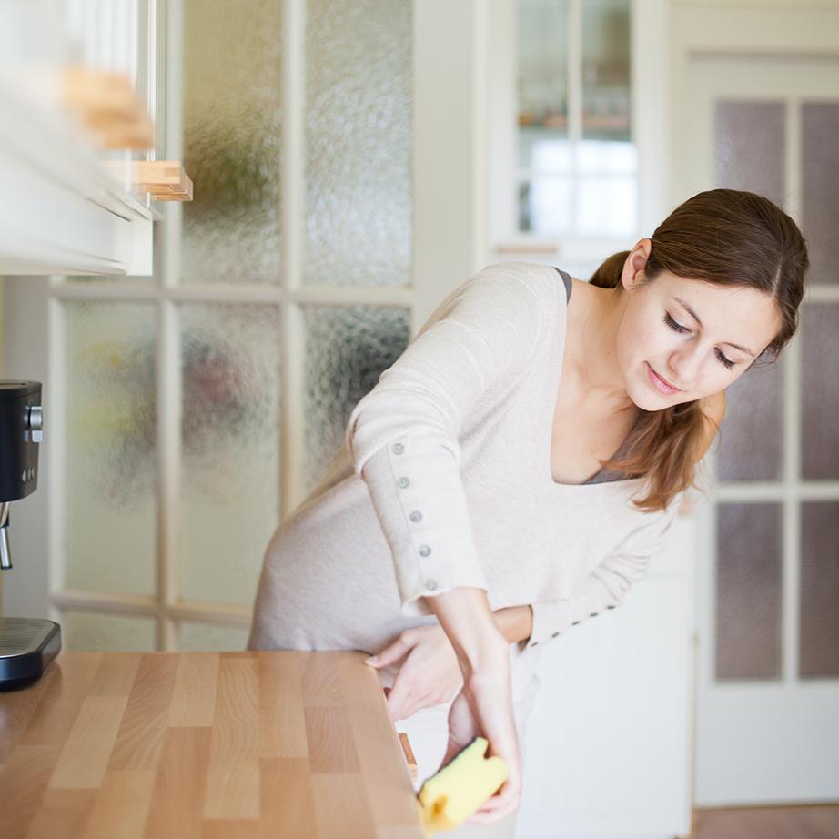 Μην αφήνετε ποτέ κάτι για αργότερα ακόμη κι αν αυτό μπορεί να είναι ένας μικρός λεκές στον πάγκο της κουζίνας.