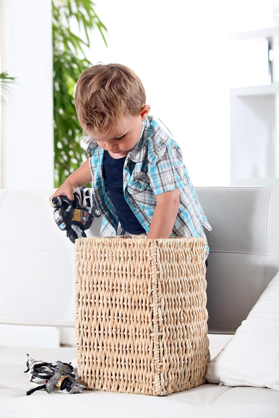 Ακόμη και οι μικροί της παρέας μπορούν να μπουν στο παιχνίδι μαζεύοντας τα παιχνίδια τους πριν από τον ύπνο.