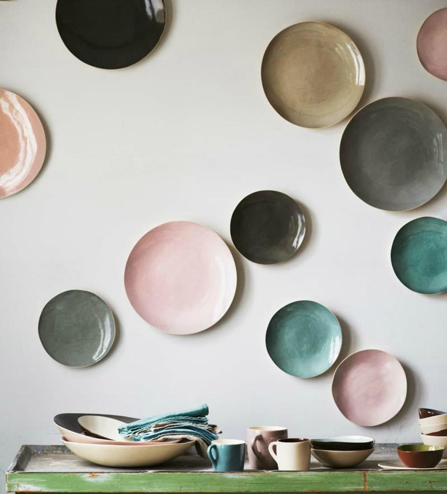 Βάλτε τα πιάτα σας..στον τοίχο! Αν είσαι σε παστέλ αποχρώσεις ακόμα καλύτερα.