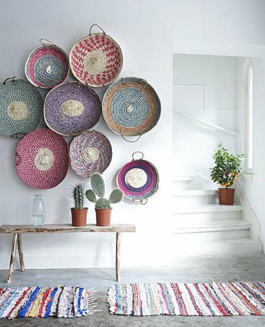 Δείτε πόσο όμορφα φαίνονται αυτά τα μάλλινα καλάθια στον τοίχο!