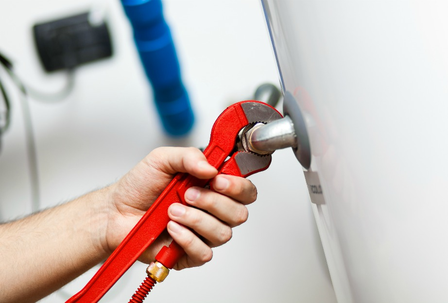 Προσοχή, όσο καλοί και αν είστε στις κατασκευές και επιδιορθώσεις στο σπίτι, μην κάνετε τίποτα χωρίς α ρωτήσετε κάποιον ειδικό.