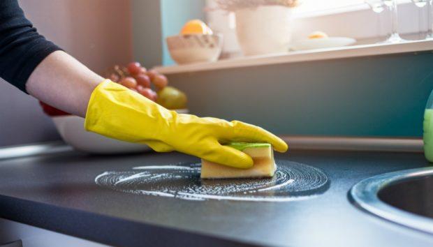 6 Δουλειές Σπιτιού που Πρέπει να Κάνετε Κάθε Μέρα