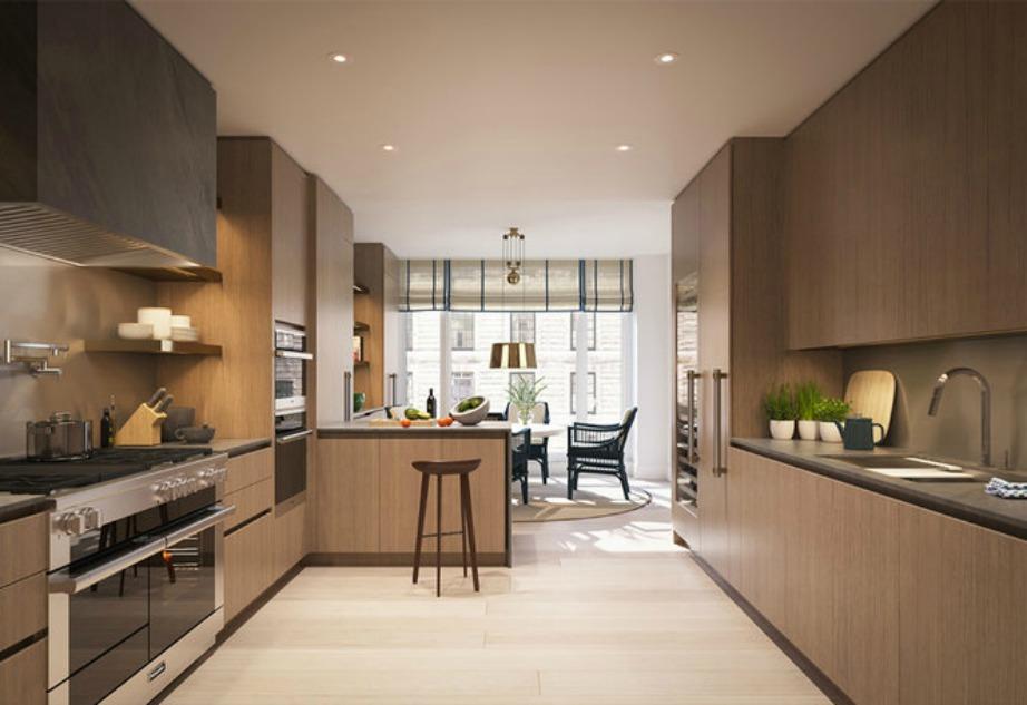 Η κουζίνα είναι άνετη και με μεγάλους ΄χωρους για να μαγειρεύει το γνωστό μοντέλο με όλη του την άνεση.