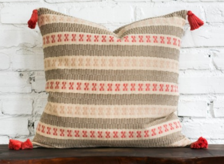 thehomeissue_pillow01