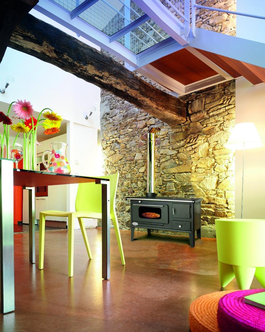Στο Leroy Merlin θα βρείτε υπέροχες ιδέες για να ζεστάνετε με τον καλύτερο και οικονομικότερο τρόπο κάθε δωμάτιο και σημείο του σπιτιού.