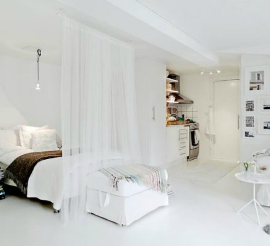 Η κουρτίνα σαν διαχωριστικό δίνει στο χώρο σας μια πιο ρομαντική ατμόσφαιρα.