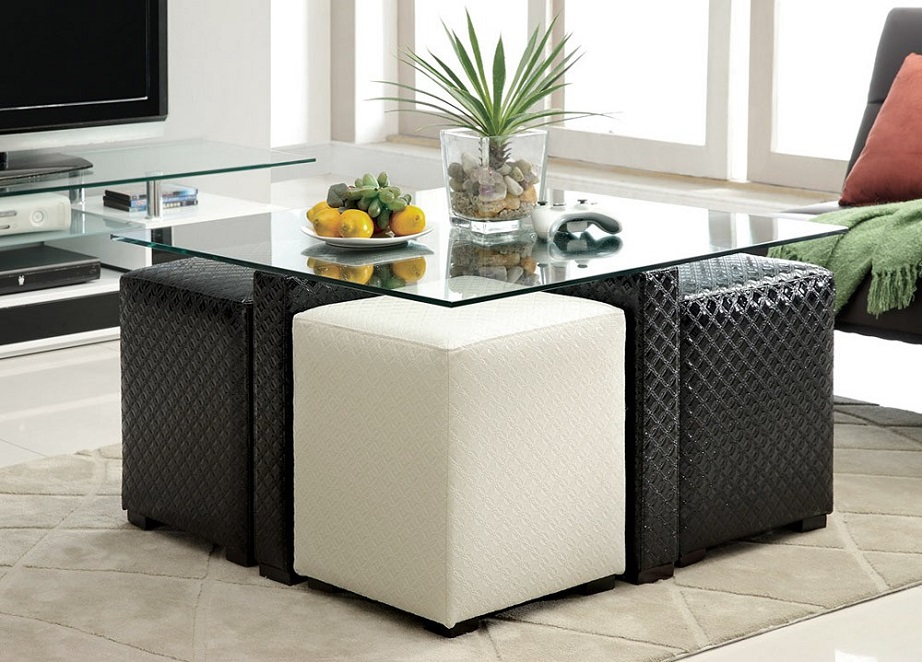 Τα σκαμπό κάτω από τραπέζι σας εξασφαλίζουν πολύτιμο χώρο