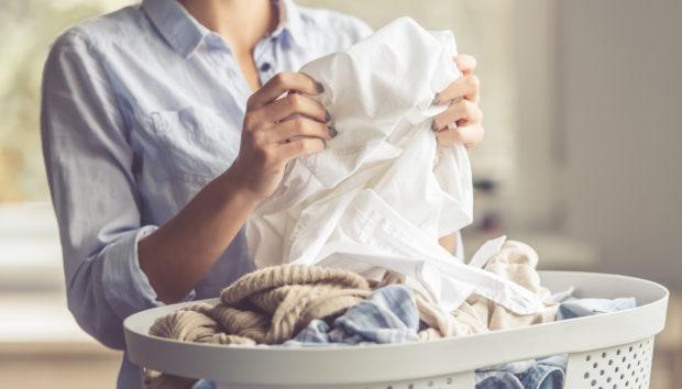 «Τι να κάνω για να μην μυρίζουν μούχλα τα ρούχα μου μετά το πλύσιμο;»