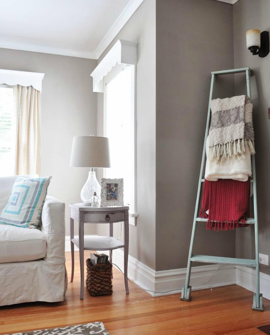 Μια σκάλα με κουβερτούλες θα γεμίσει τον χώρο και θα του προσφέρει cozy ατμόσφαιρα.