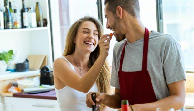 12 Σημάδια ότι Είστε με τον Άντρα που Πρέπει να Παντρευτείτε!