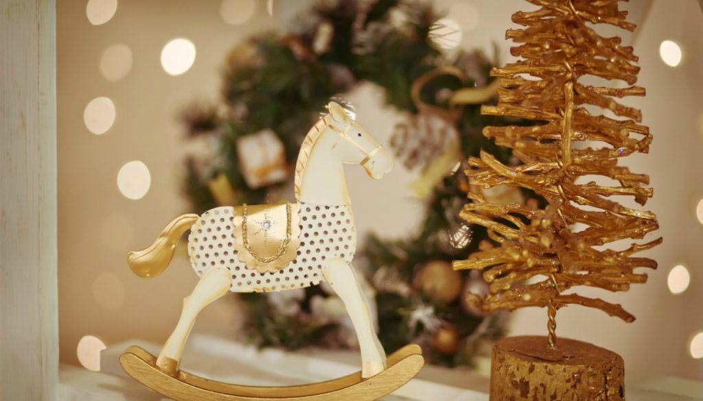 Χριστουγεννιάτικη Διακόσμηση για την Πόρτα και το Χολ με Έμπνευση